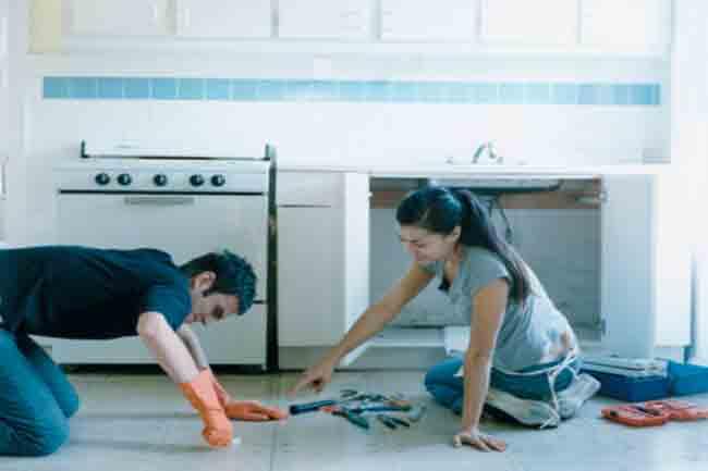 किचन साफ करें