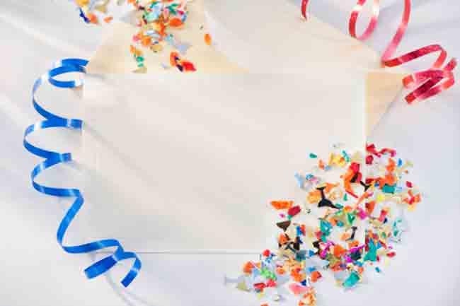 रंगीन कागज प्रयोग करें