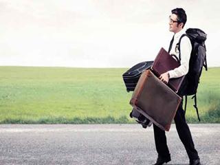 छुट्टियों पर जा रहे हैं तो ये सामान न करें पैक