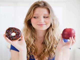 वजन घटाने से जुड़े ये झूठ बोलकर खुशी महसूस करते हैं हम