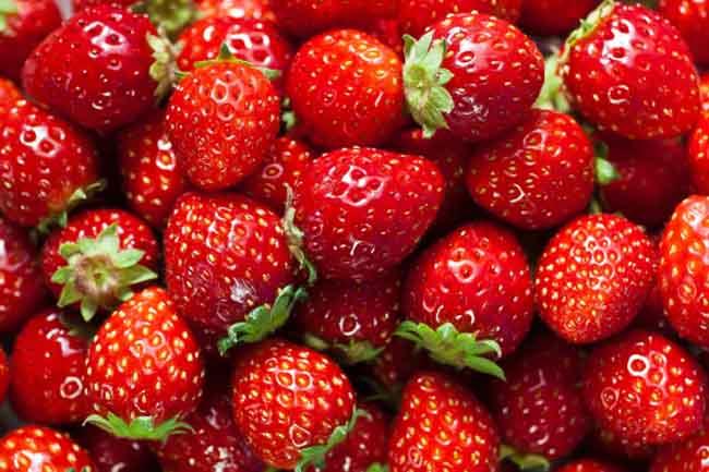 कीवी, स्ट्रॉबेरी और नींबू जैसे खट्टे फल