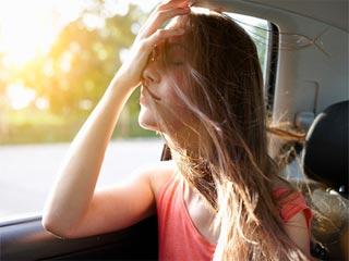 ट्रेवेल के दौरान बालों को रूखे होने से बचाने के टिप्स