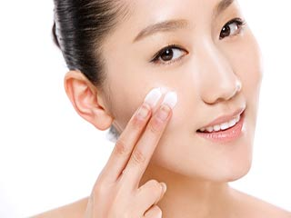 घर पर कैसे करें त्वचा की देखभाल