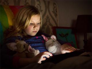 बच्चों की नींद हराम कर रहा है सोशल मीडिया