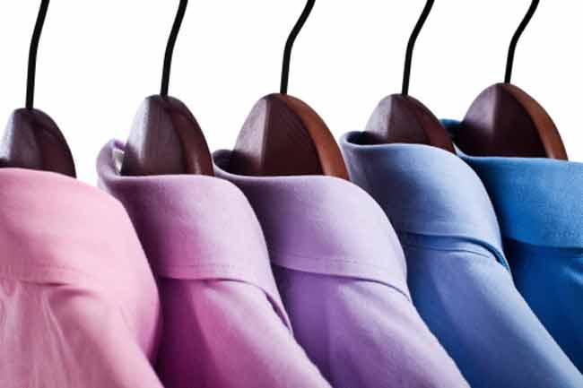 फोम से बनाएं ड्रेस को बेहतर