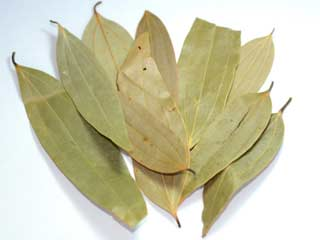 Know the health and beauty benefits of bay leaves