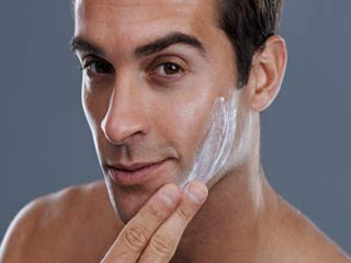 5 Things every man should know about using moisturisers