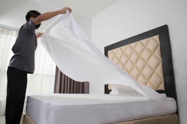 बिस्तर की चादर नहीं बदली