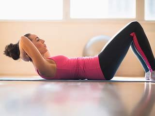 फिट रहना या वजन घटना दोनों में क्या है बेहतर