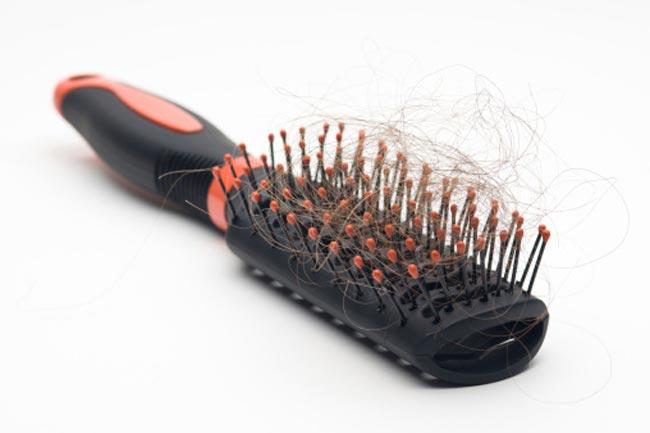 टूथपिक से साफ करें