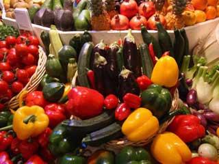 डिप्रेशन दूर करने के लिए खाइये फल और सब्जियां
