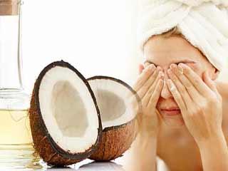 इन 6 कारणों से अपने बाथरूम में रखें नारियल तेल