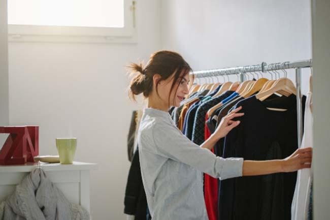 फैशनेबल ब्लैक कपड़े