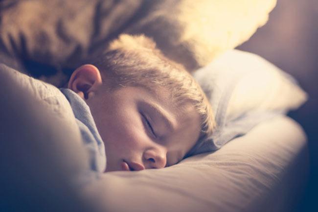 सोते समय बेचैनी होना