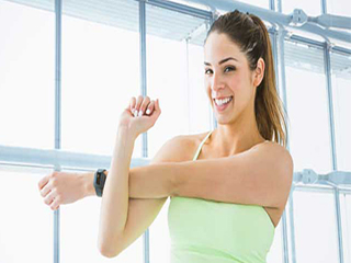 हाथों का फैट दूर करना है तो करें ये व्यायाम