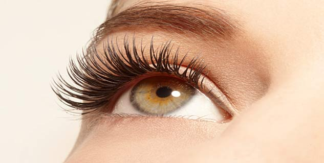 grow eye lashes naturally