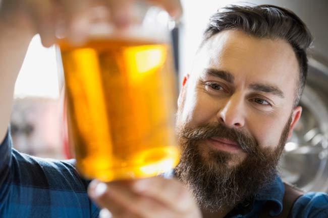 वर्कआउट के बाद बीयर पीने से डिहाइड्रेशन होता है