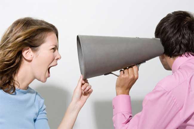मिथ: आवाज तेज कर देने से सुनाई पड़ने लगेगा