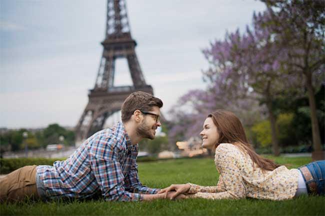 रोमांटिक जगहें तलाशें