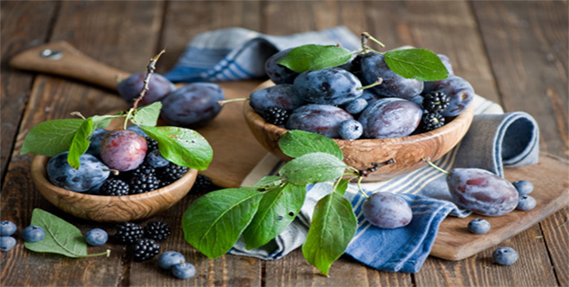 blue berries and plum