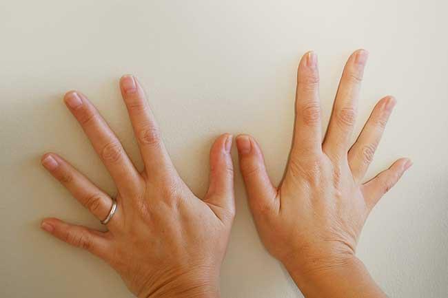 छोटे हाथ