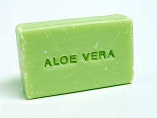 Simple method to make aloe vera soap at home