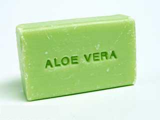 Simple method to make aloe vera soap at home