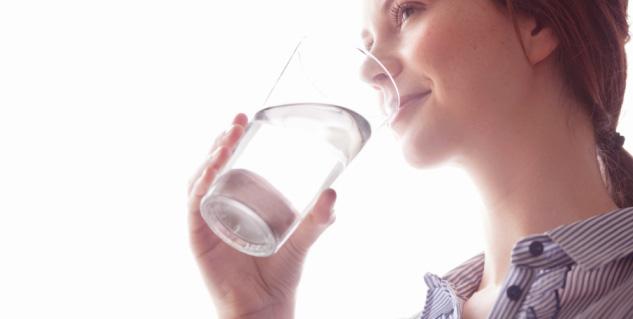 drinking water in hindi