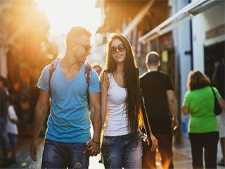 रिश्ते में गंभीर होने से पहले इन 5 चीजों पर करें खुलकर बात