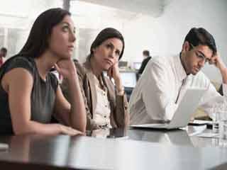 ये लक्षण बताते हैं कि आप हो सकते हैं सबसे कष्टप्रद सहकर्मी