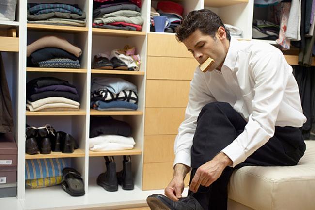 जूतों और ऊनी कपड़ों के लिए भी रखें जगह
