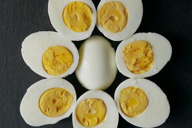 उबले अंडे
