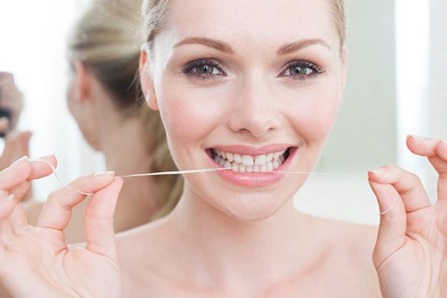 Damages teeth