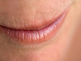 जानें किन कारणों से हमेशा रहता है मुंह सूखा