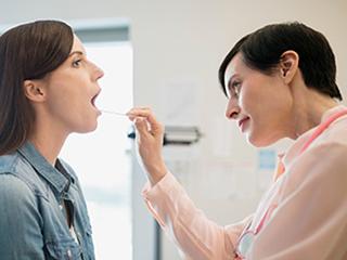 मुंह के ऊपरी हिस्से में होने वाली सूजन के कारण और बचाव