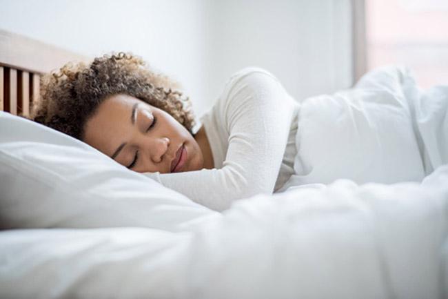 पर्याप्त नींद ना लेना