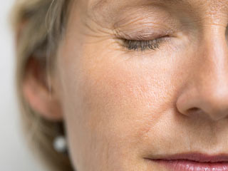 Ways to reduce wrinkles and look younger