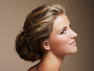 Trendy hairstyles that use clip-in extensions