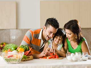 हर भारतीय रसोई में होते हैं वजन घटाने वाले ये 10 आहार
