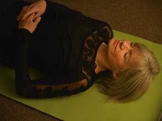 'योग निद्रा' क्या है और क्या हैं इसके फायदे, जानें