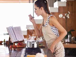 किचन में इन वास्तुटिप्स का रखें ध्यान, पाएं अच्छी सेहत, स्वस्थ तन-मन!