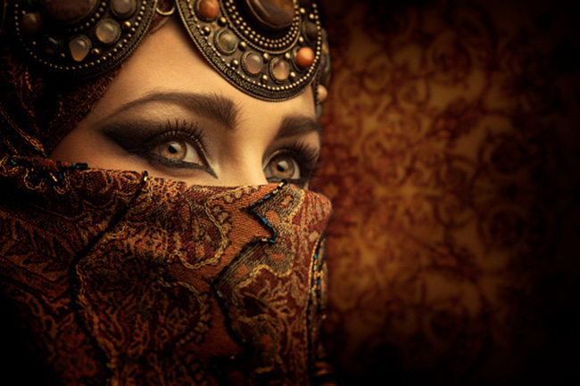 महिलाओं की आंखें