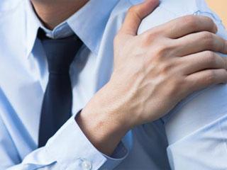 सावधान! कंधे में दर्द का मतलब दिल की बीमारियों का खतरा