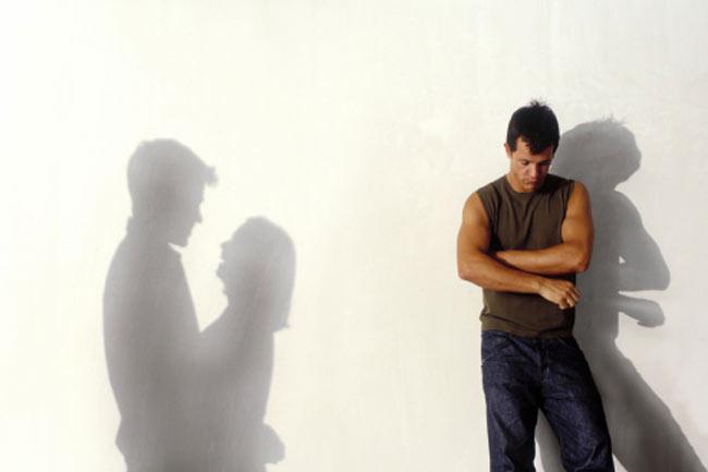 मां-बाप की बेवफ़ाई का असर