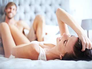 कंडोम के बिना ही ऐसे करें सेफ सेक्स!