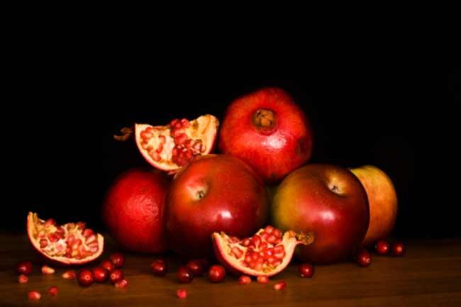 सेब, अनार और नींबू