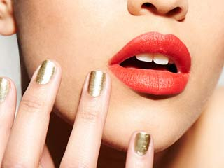 How to have healthy and beautiful nails naturally
