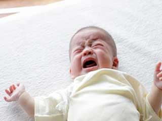 छोटे बच्चे का पेट दर्द दूर करने के लिए आजमायें ये काढ़ा