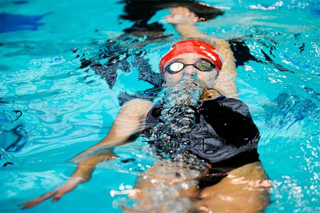 स्विमिंग (Swimming Workouts)