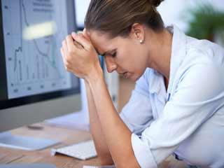 जानें क्यों आपकी नौकरी बन रही है तनाव का कारण